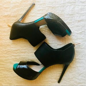 Vince Camuto Canaday Heels SZ 10N Black&Turquoise